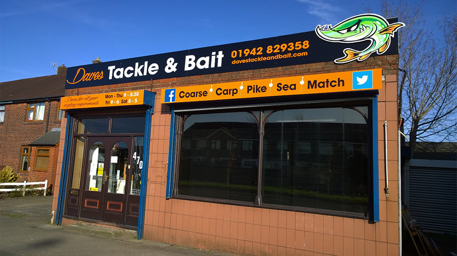 Dave's Tackle and Bait Wigan External Sign